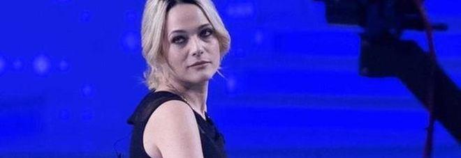 Laura Chiatti a Verissimo si commuove e ricorda la malattia di Marco Bocci: «Sono una frignona»