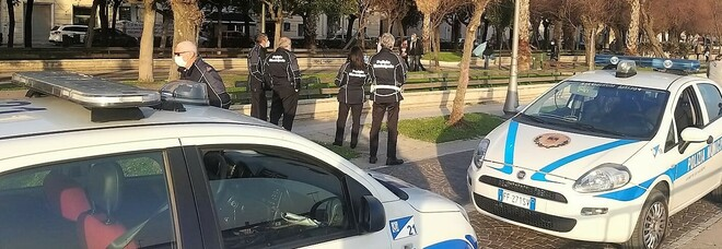 Controlli anti-Covid a Salerno, 110 multe senza mascherine