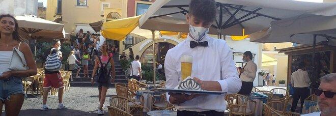 Virus a Capri, le serate in un locale cult dell'isola: «Nessuno indossava la mascherina»
