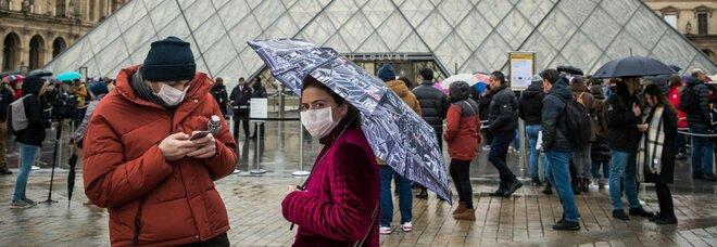 Seconda ondata, boom di nuovi casi in Europa: ma ora il virus fa meno vittime