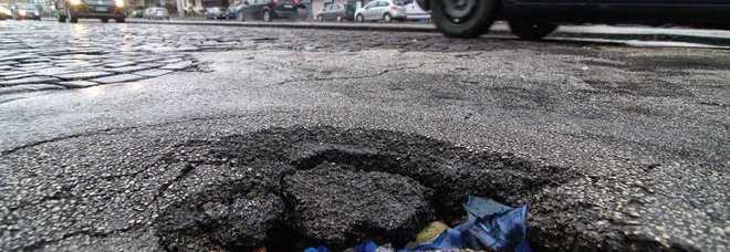 Buche nelle strade e marciapiedi sconnessi rabbia dei for Subito offerte lavoro salerno