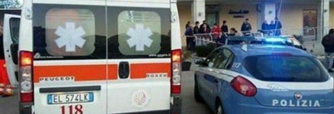 Rimini, 13enne cade dal terrazzo di un hotel e muore: lo aspettavano a scuola, è giallo