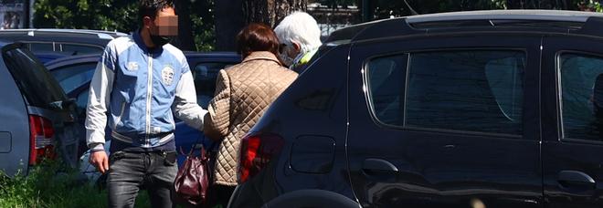 Napoli, il ritorno dei parcheggiatori abusivi: nel mirino runner e centri vaccinali