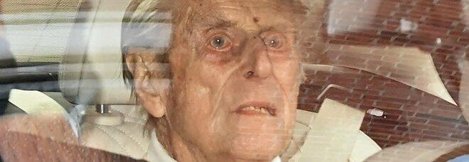 Principe Filippo lascia l'ospedale dopo un mese: a giugno compirà 100 anni