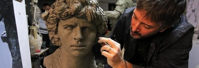Maradona, una statua in bronzo a Napoli: «Il sogno è vederla a Fuorigrotta»
