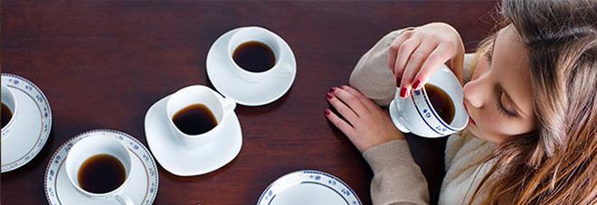 Troppi caffè? Così il tuo corpo ti sta dicendo di andarci piano