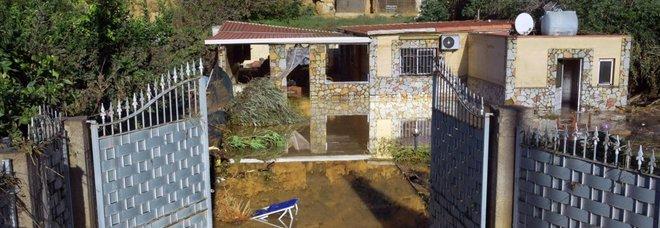 Casteldaccia, l'ira del sindaco di Altavilla: «Sul letto del fiume tutte case abusive»
