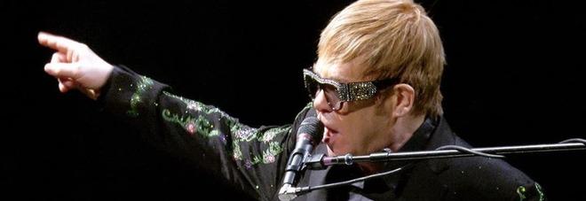 Elton John sta per ritirarsi? In un post su Instagram l'indizio misterioso