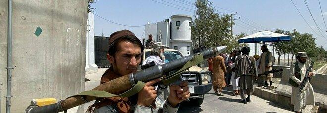 Afghanistan, razzi ed elicotteri americani finiscono nelle mani dei talebani: ora i jihadisti sono più pericolosi