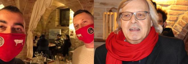 #Ioapro, Vittorio Sgarbi a cena dal ristoratore ribelle: «Propongo carriera in Parlamento», ma la polizia chiude il locale per cinque giorni