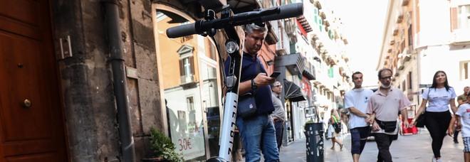 Monopattino elettrico rubato a Napoli, marocchino arrestato dai falchi