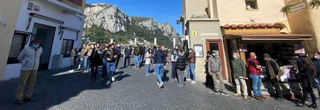 Covid a Capri, è caccia all'untore: c'è un altro turista positivo