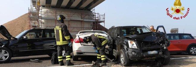 A1, maxi tamponamento a sud di Milano: autostrada chiusa, feriti