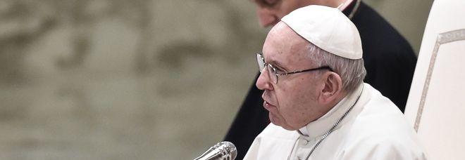 Papa Francesco: «Meglio essere atei che cristiani che vanno in chiesa e odiano gli altri»