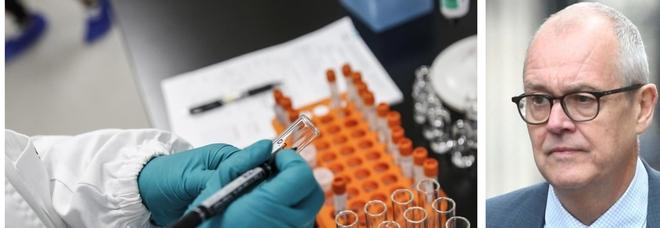 Covid, lo scienziato britannico: «Il vaccino non basterà, il virus diventerà come un'influenza stagionale»