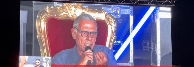 In foto un momento della serata finale del Premio Massimo Troisi.