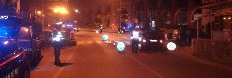 Ischia: getta benzina sui carabinieri e appicca il fuoco, arrestato
