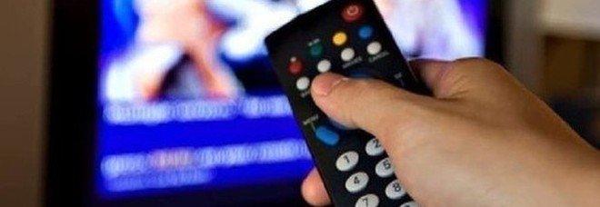 Pezzotto tv, il messaggio ai clienti: «Scusate il disagio, torneremo»
