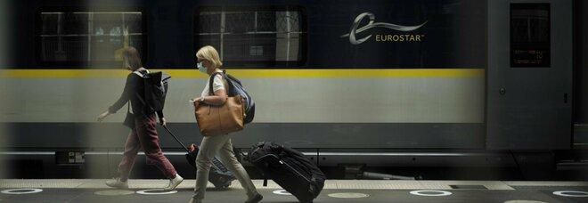 Gran Bretagna: «Quarantena per chi torna dalla Francia». Assalto dei britannici in vacanza a treni e aerei