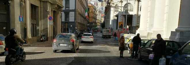 Napoli: lavori stradali, riaperto il tratto via Chiatamone-galleria Vittoria
