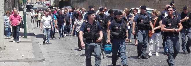 Napoli, i lavoratori ex Lsu del decoro scolastico