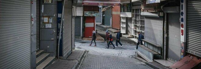 Turchia, stop al lockdown dopo il Ramadan: l'annuncio di Erdogan