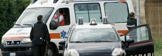 Tenta il suicidio impiccandosi, salvato in extremis dai carabinieri