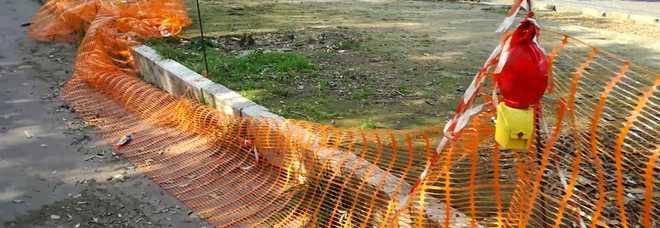 Reti arancioni delimitano ancora il viale Virgilio