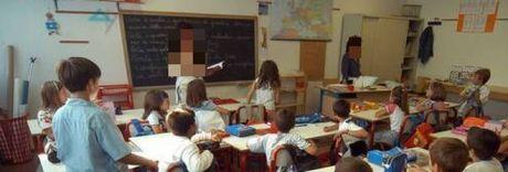 Maestro mette alunno nell'angolo «Guardate com'è brutto quel nero»