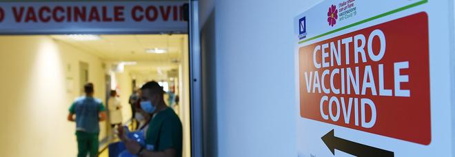 Covid, vaccini per gli over 80: a Salerno l'esercito dei settantamila