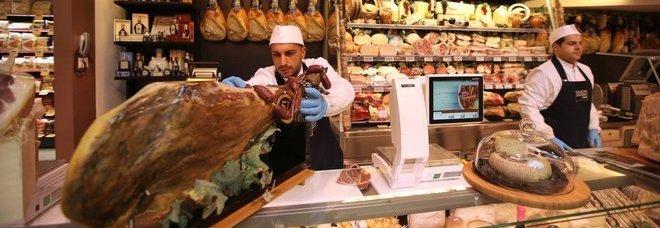 A Napoli supermercato e area bistrot: ecco la nuova Conad |Foto