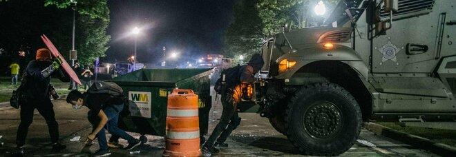 Wisconsin, spari nella folla: un morto e dei feriti durante le proteste per il caso Blake