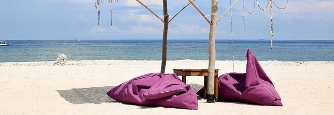 Indonesia, incubo alle Gili: bande saccheggiano i resort dopo fuga turisti