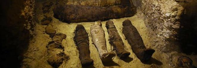 Egitto, trovato un sito con 40 mummie ben conservate