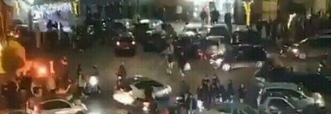 Ercolano, maxi rissa in strada nonostante la zona rossa: «Quattro idioti rovinano Natale»