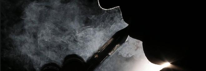 Lo studio che spaventa i fumatori: «Il vapore delle sigarette elettroniche è più pericoloso del fumo normale»