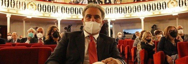 Comunali a Napoli, Maresca alza il pressing: abusi di necessità, stop ruspe per sei mesi