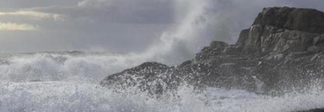 Mar Mediterraneo, l'allarme degli esperti: «Il livello potrebbe salire fino a 20 centimetri entro il 2050»