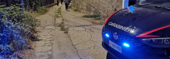 Agguato nel Napoletano, 73enne incensurato ucciso in auto: è giallo
