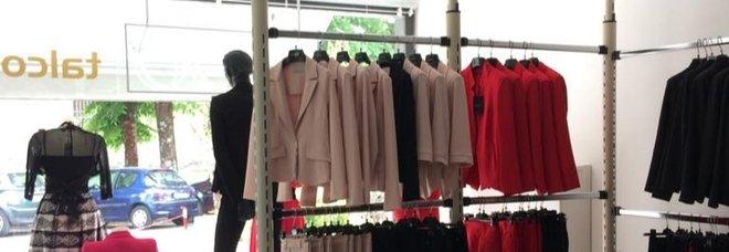 Un negozio di vestiti