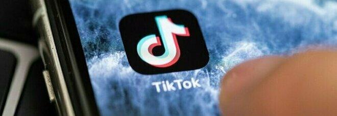TikTok, Blackout challenge choc: morte cerebrale per bimba di 10 anni