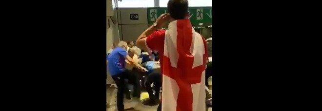 Italia-Inghilterra, i fan sfondano le barriere di Wembley per entrare senza biglietto: scontri tra tifosi e servizio d'ordine, 45 arresti