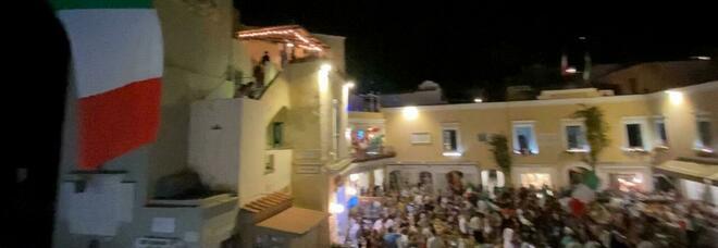 Euro 2020, Capri fa festa tutta la notte: la piazzetta esplode per la vittoria dell'Italia