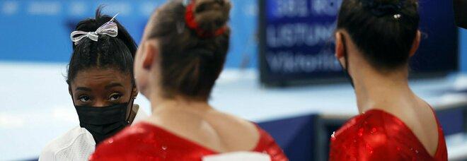 Simone Biles fuori dalla finale: «Ho il peso del mondo sulle spalle»