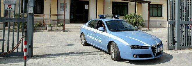 Violenta la figlia e la fidanzata del figlio, orco arrestato dalla polizia nel Casertano