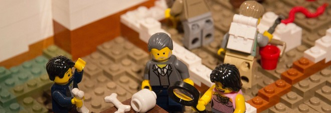 Il direttore generale della Soprintendenza di Pompei prof. Massimo Osanna diventa un omino della Lego nella ricostruzione di Pompei