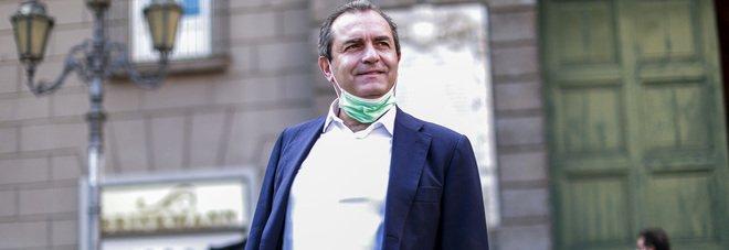 De Magistris boccia lo smart working nella pubblica amministrazione: «Il 70% dei lavoratori torni in ufficio»