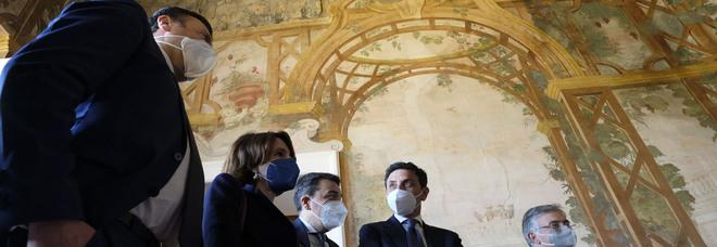 Ercolano, a Villa Campolieto la mostra «Così fan tutti» con le opere di Ernesto Esposito