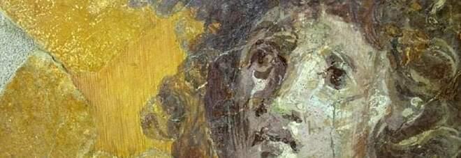 Scavi di Pompei, appello social ai turisti: «Donate per il restauro degli affreschi»