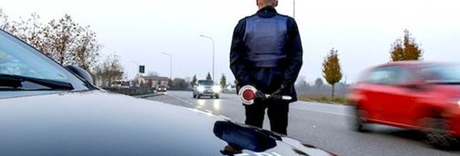 «Furbetti» della targa straniera, prime stangate: auto sequestrate